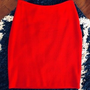 🌺 St. John knit skirt size 4